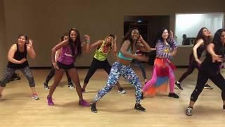 """Nicole Steen's ZUMBA Dance to """"Hula Hoop"""" by Daddy Yankee"""