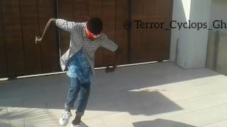 Terror Dancer Dances to dj flex don't do like that