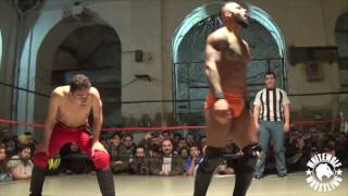 Ricochet vs A-Kid - La Triple W: FLY HIGH (completo)