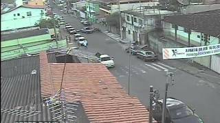 Mãe e filho ficam feridos em acidente na João Camilo de Oliveira Tôrres
