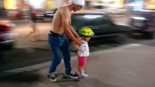 Rolezinho de skate com o papai!