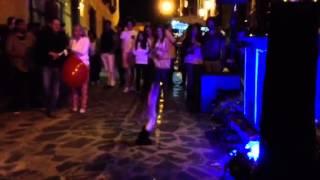 Chiquita bailando