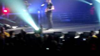 Burn It To The Ground- Nickelback Live Nashville