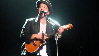 Bruno Mars - Count On Me acoustic  Live in Amsterdam