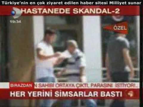 Ankara Dışkapı Hastanesi Acil Servis Müdürü Mümtaz Şimşek gözlükçü dükkanı işletiyor