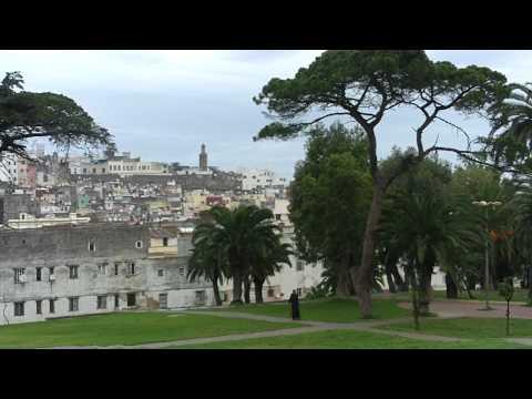 Tanger: Vue sur jardins et Médina.