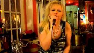 Nathalie de Bourget Chante Cover Alexandra Burke- hallelujah