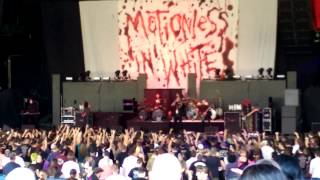 Motionless In White - Break The Cycle Live