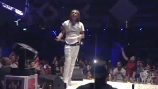 Tekashi 6ix9ine performs BILLY live in DUBAI  .. Crazy lit show .