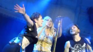 KESHA  is kissing her keyboard player (Live in Paradiso-Amsterdam_NL 2013)