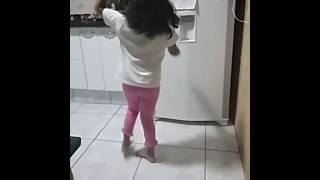 Melina ramos dançando bale