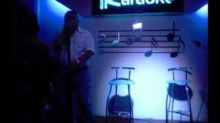 Luis Fermando cantando embriagame en karaoke parrilla bar.wmv