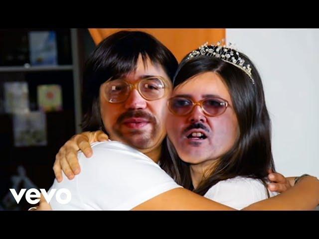 Videoclip oficial de 'Tonta Gilipó', de Ojete Calor.