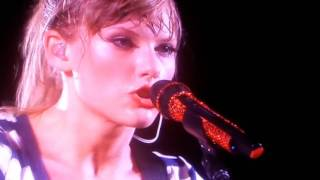 Taylor Swift: The RED Tour DVD - Safe And Sound - Live in Philadelphia