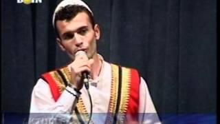 Ansambli Shqiponja i Malësis Madhe - Nikolin Isufaj kënga - Shtat bajrak të bukuris pjesa 7.mpg