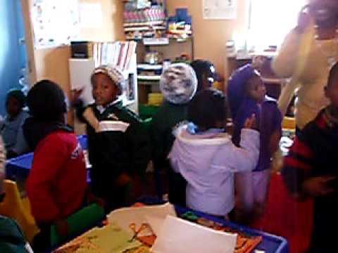 南アフリカのスラム街?の学校