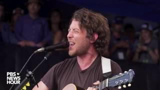 Fleet Foxes sings 'Cassius' at 2017 Newport Folk Festival