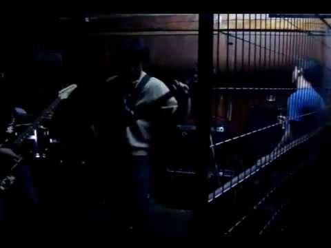 Facil de Desband Letra y Video