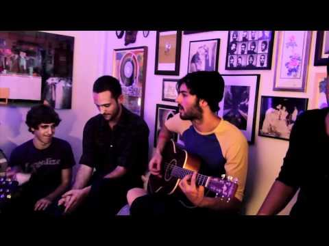 young-the-giant-i-got-live-acoustic-on-big-ugly-yellow-couch-biguglyyellowcouch