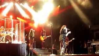 Demi Lovato-Heart Attack First Peformance LIVE Universal Studios