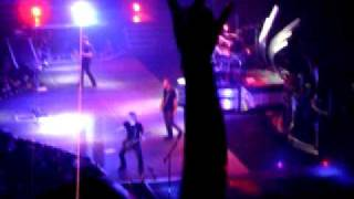 Nickelback- Burn it to the Ground Live in Detroit