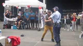 Amazing policewoman !