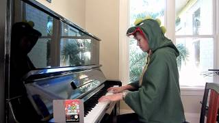 Lara plays the music from Bubble Bobble :)