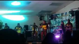 GrupoRevelacionSevilla Ft Michell Sevilla (La Cholita dela Cumbia) live