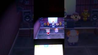 Animal Crossing: New Leaf                    Dancing at Club LOL
