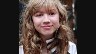 Who is a better singer, Miranda Cosgrove or Jennette McCurdy?