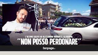 """Chef morto, l'ultimo addio a Narducci. La mamma: """"Non posso perdonare chi ti ha portato via"""""""
