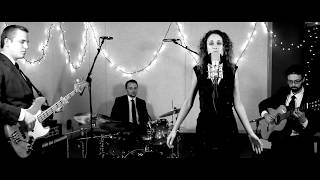 """Agua de Beber"" (""Water to Drink"") performed by NOVA"