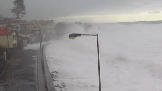 Ondas gigantes na Ilha da Madeira Paul do Mar 06/01/2014