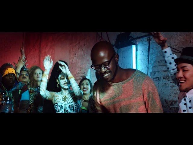 """Videoclip oficial de la canción """"Come With Me"""" de Black Coffee y Mque."""