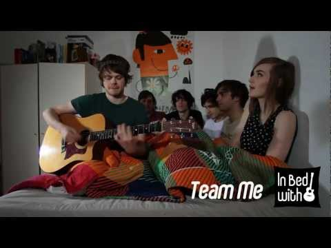 team-me-show-me-acoustic-for-in-bed-with-katrinbpunktphoto
