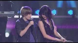 Justin Bieber (feat Selena Gomez) Live ABC Rockin Eve 10.