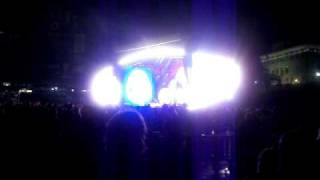 "Eminem & 50 cent ""Patiently Waiting"" live from Comerica Park 9-2-2010"