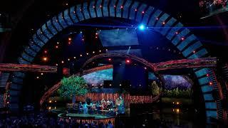 Latin AMAs 2018 - Becky G & Joss Favela Pienso en Ti - Live Performance