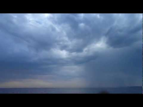 Одесский пляж – дождь над морем