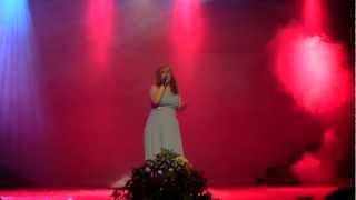 Michelle Portelli singing Tra Te e il Mare.