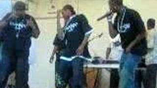 SHE'S LOADED/POP GUN!.....PERFORMING LIVE (RODNAE'S VERSE)