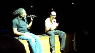 Bobby McFerrin improvise with Didie Caria.mp4