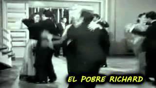 CANTINFLAS  PEGANDO PECHO