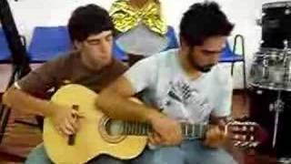 guitarra y cuatro manos!