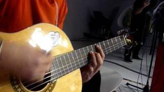 CC - Valsassina a tocar guitarra