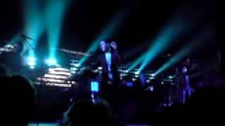 Massive Attack - Karmacoma (Live at De Montfort Hall, Leicester, 2/10/09)
