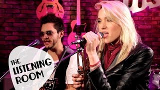 Jenny And The Mexicats - Me Voy A Ir