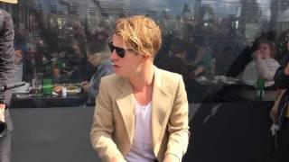 Tom Odell - Another Love live unplugged museumplein Amsterdam