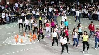 Baile de hora loca 2016 colegio 🎉🎊😉