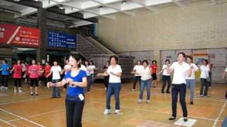 Twistin (demo by Ingrind Kan & students) Kan's line dance Happy Mom's Day From Taipei